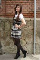 black unknown boots - gray unknown dress - white Fox shirt - black tights - brow