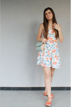 floral TinaR dress - light blue Accessorize purse - carrot orange sandals