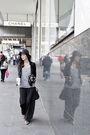 Gray-thrited-top-black-vintage-skirt-blue-akubra-hat-black-alexander-wang-