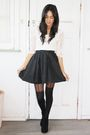 Black-gary-pepper-vintage-skirt-white-gift-top-black-topshop-stockings-bla