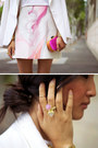Gold-asos-ring-ivory-michael-lo-sordo-jacket-hot-pink-asos-bag