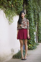 neutral juliette hogan shirt - maroon gary pepper vintage bag