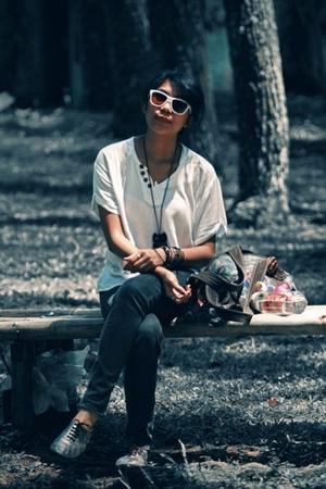 Topshop shoes - Mango jeans - shirt - Fossil purse - Oakley glasses
