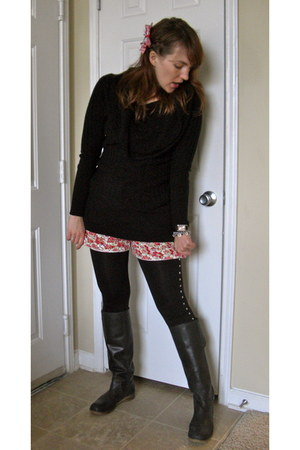 black lucky boots - black cowl Japanese sweater - black studded miley cyrus maz
