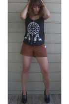 black journeys boots - tawny Old Navy shorts - black unknown artist appareal ets
