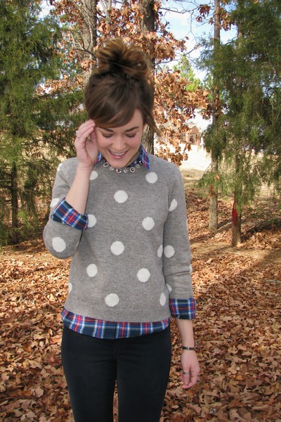 heather gray polka-dot Forever 21 sweater - navy abercrombie and fitch shirt