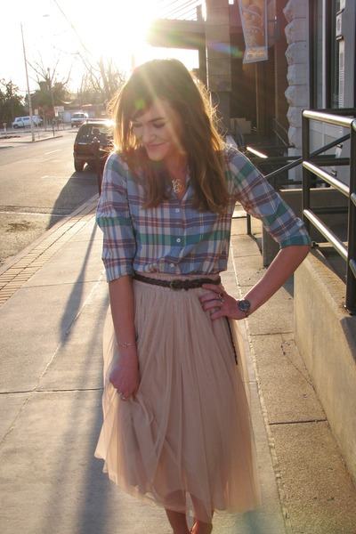 ivory tulle savoir faire skirt - light blue plaid Forever 21 shirt