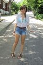 White-thrifted-shirt-green-urban-outfitters-bra-blue-abercrombie-and-fitch-s