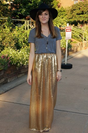 gold thrifted vintage skirt - black free people hat