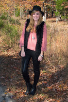 salmon savoir faire top - black thrifted boots - black vintage hat