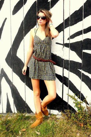 Shoe depot boots - Forever 21 dress