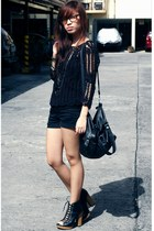 black vintage top - black cotton on shorts - black bag - black shoes - silver ne
