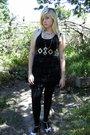 Black-immortal-dress-black-falke-tights-gold-project-at-rt-belt-gold-bm-ac