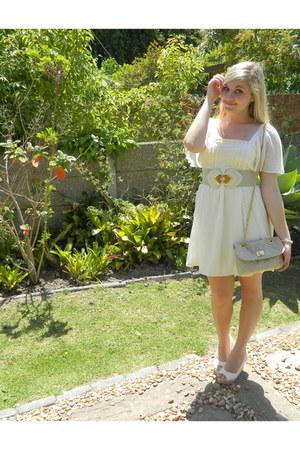 nude crochet wedges - off white dress - beige bag - beige belt