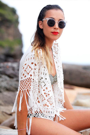 black contrast shades Mink Pink sunglasses - white lace top STORY OF THE top