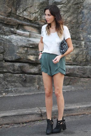 dark gray sequin clutch Zara bag - olive green pinkyotto shorts