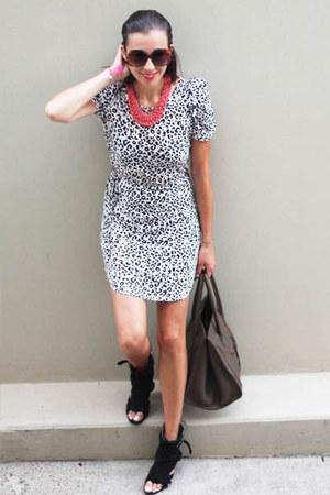 black Tokyo Designer shoes - black Zara dress