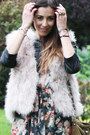 Neutral-fur-gilet-zara-vest-brown-suede-boots-rag-bone-boots