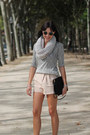 Black-zara-bag-peach-tailored-shorts-h-m-shorts
