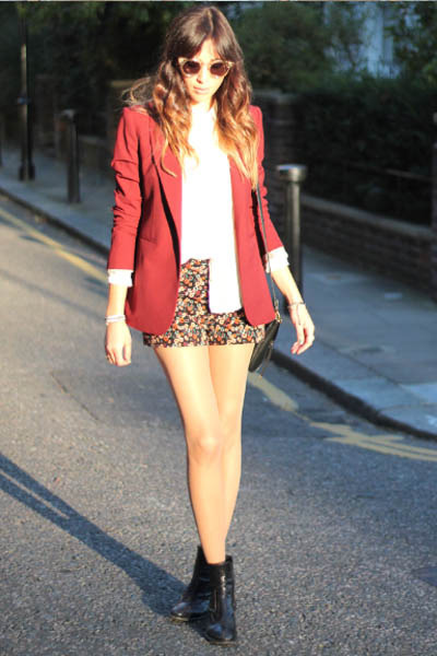 crimson maroon blazer Zara jacket - light brown printed shorts H&M shorts