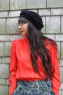 Black-paris-hat-red-no-name-blouse-dark-green-no-name-skirt