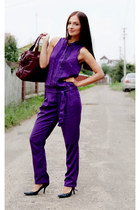 deep purple rayon Sisley romper - black Nine West heels