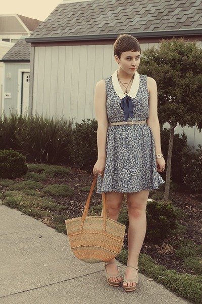 Forever 21 dress - vintage purse - Levity wedges