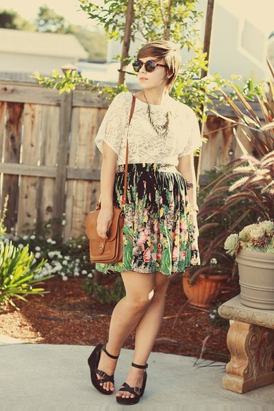 vintage top - thrifted purse - H&M sunglasses - thrifted wedges - OASAP necklace