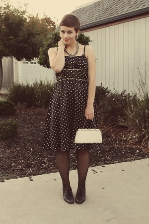 Forever 21 dress - Vintage Thrifted purse - Goodwil heels