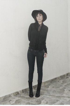 Zara blouse - vintage hat - vintage shoes