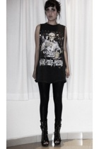 black customized t-shirt - black boots - black American Apparel leggings