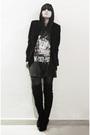 Black-coat-black-t-shirt-black-tights-black-boots-black-sweater