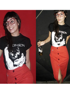 MISS MARS skirt - boyfriends t-shirt - glasses