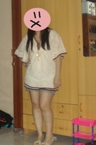 HK top - Izzue shorts - HK shoes - H&M necklace