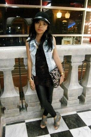 tan Stradivarius dress - black Forever 21 leggings - pink Debenhams purse