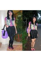 blue Sals Seasonable vest - pink t-shirt - beige accessories - black Re Shoppe s
