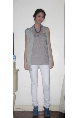 none vest - top - Levis pants - What Women Want necklace - michael antonio shoes