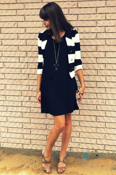 gold Forever 21 necklace - beige Steve Madden shoes - black Khols dress