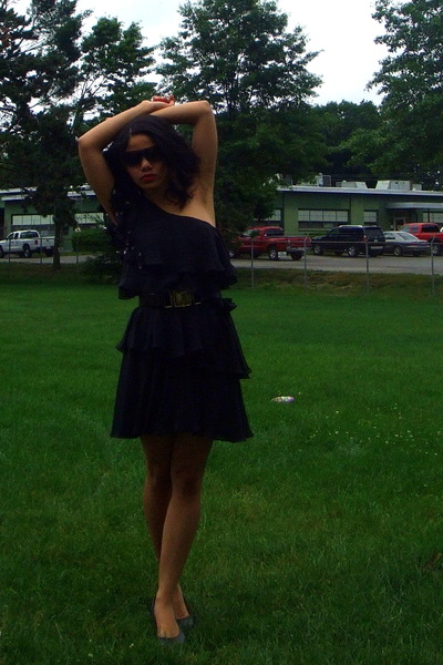 Marc Jacobs sunglasses - Rebecca Taylor dress - Chanel accessories - Michael Kor