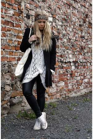 white Monki sweater - black H&M coat - black faux leather GINA TRICOT leggings