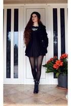 Globo boots - Terranova coat - Globo hat - Bershka skirt - Globo sweatshirt