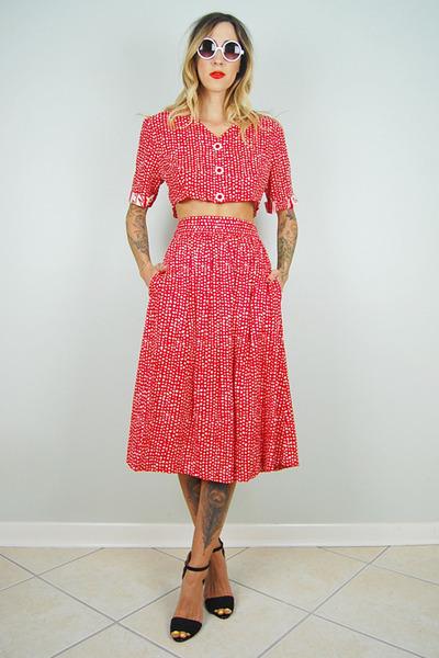 red polka dot noirohio vintage skirt - red polka dot noirohio vintage top