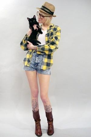 yellow flannel noirohio vintage shirt - brown boots noirohio vintage boots