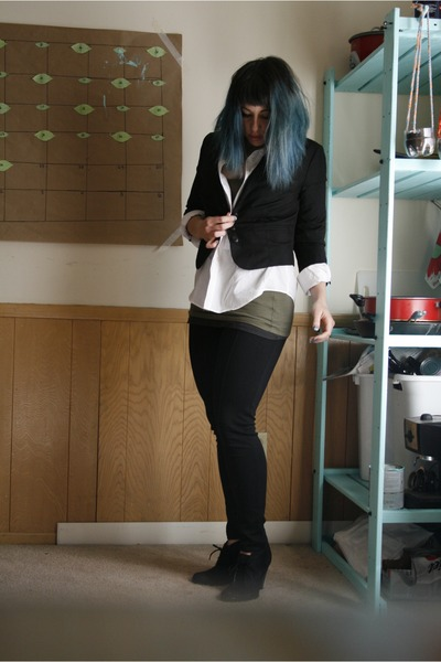 Urban Outfitters blazer - thrifted shirt - Target heels - Target pants