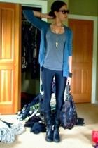 Target sweater - JCrew t-shirt - aa leggings - Colin Stuart boots - UO purse - S