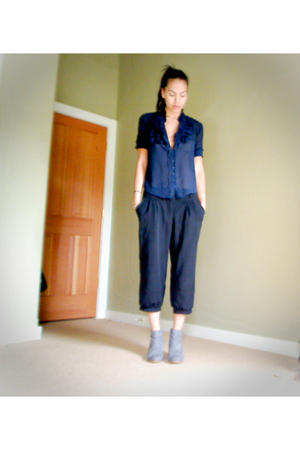 Golden Hawk blouse - f21 pants -  boots
