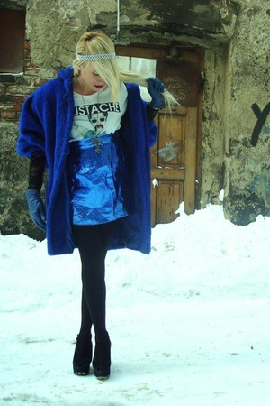 blue vintage coat - white H&M t-shirt - black Topshop wedges - blue vintage skir