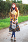 Mustard-asos-blazer-beige-faux-fur-h-m-scarf-off-white-asos-bag