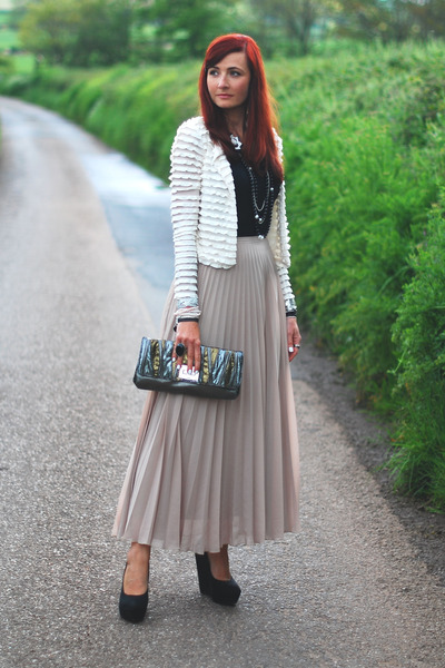 beige new look skirt - charcoal gray bag - ivory new look cardigan