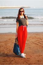 gray Topshop t-shirt - teal Nine West bag - red River Island skirt